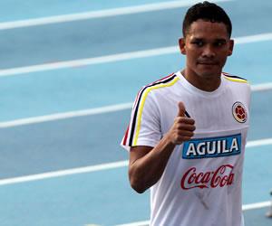 "Carlos Bacca afirma que ""Perú juega brusco"""