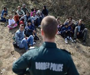 Jordania bloquea a 12.000 refugiados sirios en su frontera, según HRW