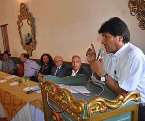 Evo Morales regaña a un grupo de empresarios que lo saca de sus 'casillas'