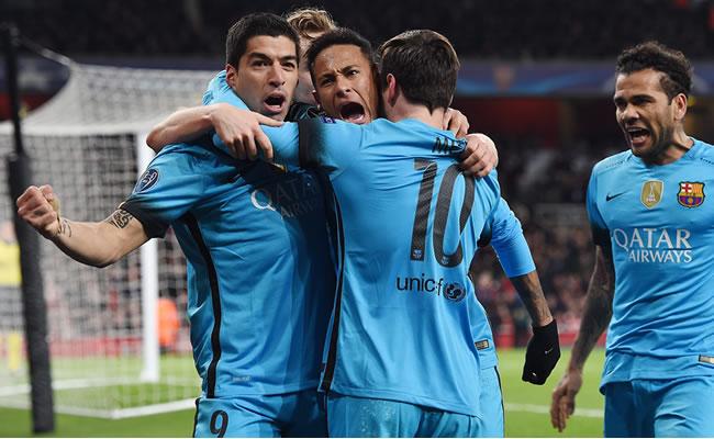 El Barcelona celebra el segundo gol de Messi. Foto: EFE