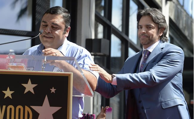 Eugenio Derbez dedica su estrella en Hollywood a los