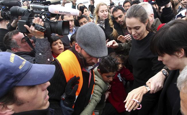 Angelina Jolie visita Grecia para conocer la situación de los refugiados