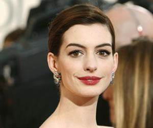 Anne Hathaway da a luz a su primer hijo