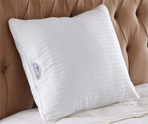 Almohada emite música relajante para que puedas dormir bien