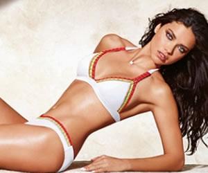 Adriana Lima sin un brazo por culpa del photoshop