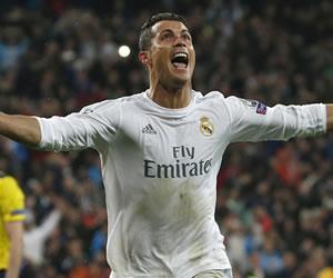 Real Madrid venció a Wolfsburgo con tres goles de Ronaldo