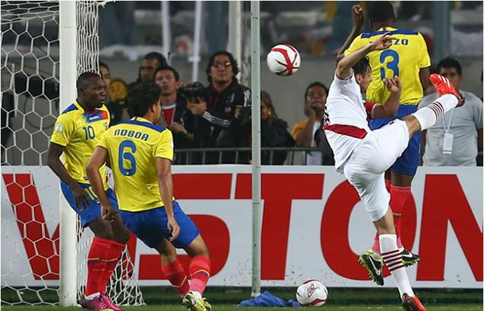 Perú y Ecuador empataron con dos goles para cada equipo