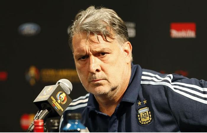 Martino tiene serias intenciones de dejar el banquillo albiceleste. Foto: EFE