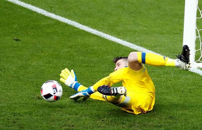 Twitter: Buffon vs De Gea