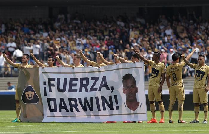 Darwin Quintero recibió un sentido homenaje por un equipo rival