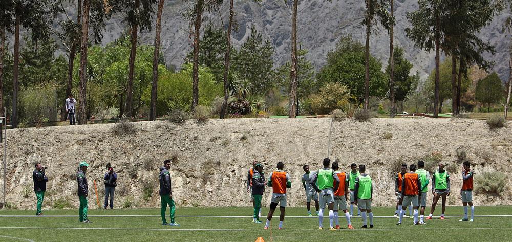 Lampe completa la plantilla de la Selección Boliviana