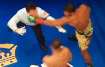 Youtube: Réferi casi es noqueado por un boxeador en plena pelea