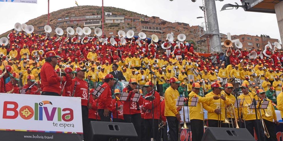 En el inicio del Carnaval de Oruro, se celebró el Festival de Bandas. Foto: ABI