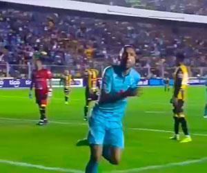 Bolívar se aleja tras golear a The Strongest en el clásico