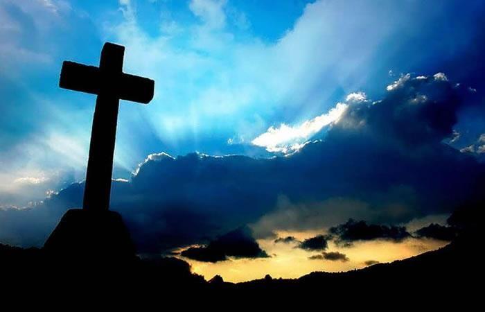 YouTube: Oración a la Santa Cruz para librarnos de los peligros