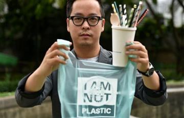 Crean bolsas que se convierten en agua al ser lanzadas al mar