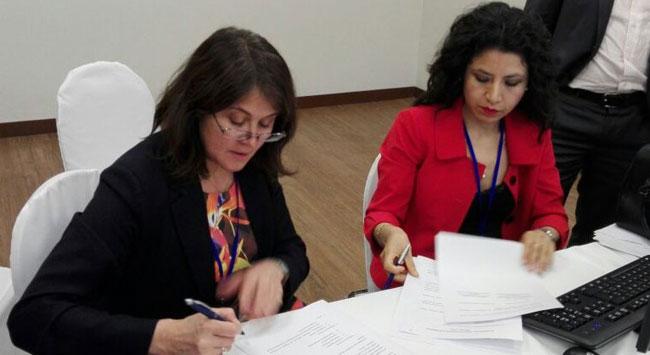 Firma del acta del Comité de Frontera Bolivia - Chile. Foto: ABI