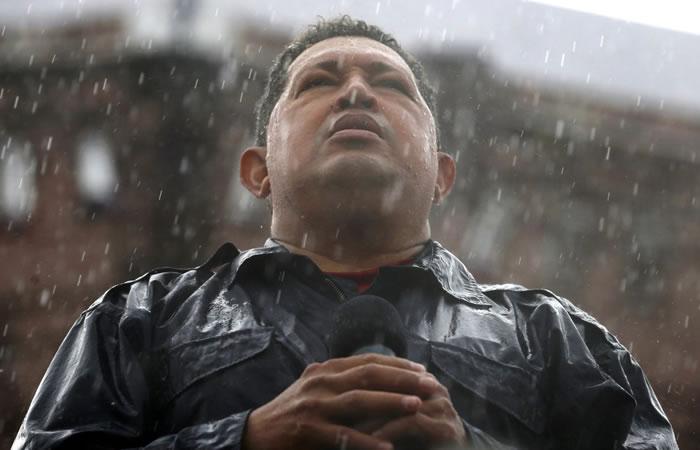 El homenaje de Evo a Chávez. Foto: Twitter