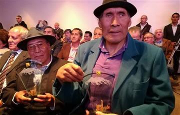 Distinguen a deportistas que compitieron en Bolivarianos del 77
