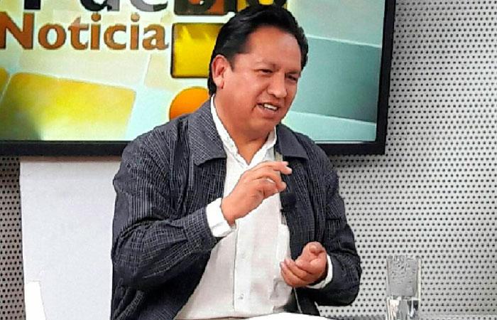 René Martínez, ministro de la Presidencia, durante una entrevista en el canal estatal. Foto: ABI