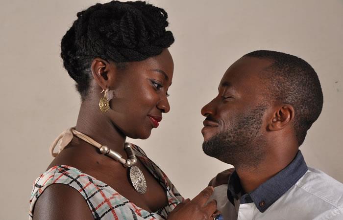 Cuatro oraciones para enamorar a una mujer