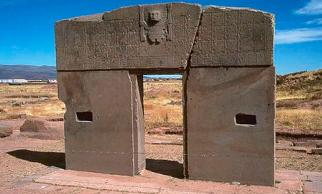 La Puerta del Sol (Inti Punku) en el complejo arqueológico Tiahuanaco. Foto. Foto: ABI