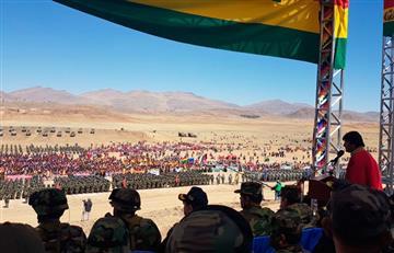 Morales llama a las FFAA a defender la patria y sus recursos