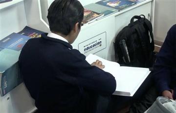 FIL: Niños ciegos cuentan con libros impresos en Braille