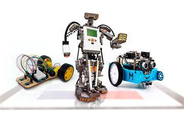 Batalla de robots en el espacio interactivo Pipiripi