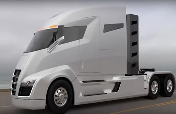 Tesla se prepara para el lanzamiento de su primer camión eléctrico