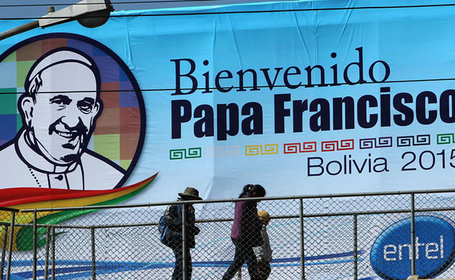 Durante la visita del papa a Bolivia. Foto: ABI