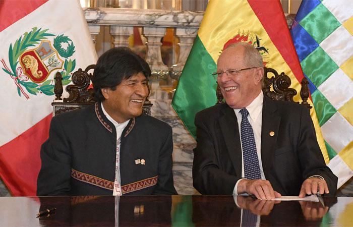 Encuentro en Lima entre los presidentes de Bolivia y Perú, Evo Morales y Pedro Pablo Kuczynski respectivamente. Foto: ABI