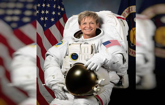 NASA: Astronauta Peggy Whitsonaterriza e impone nuevo récord