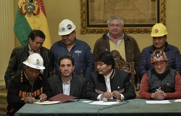 Evo Morales aceptó cambios en la Ley de Pensiones e incrementó las rentas