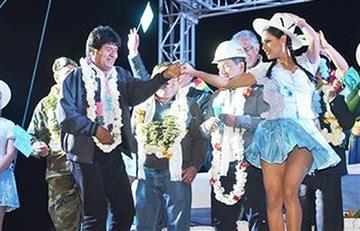 Evo Morales y 'las exigencias' para bailar con una mujer