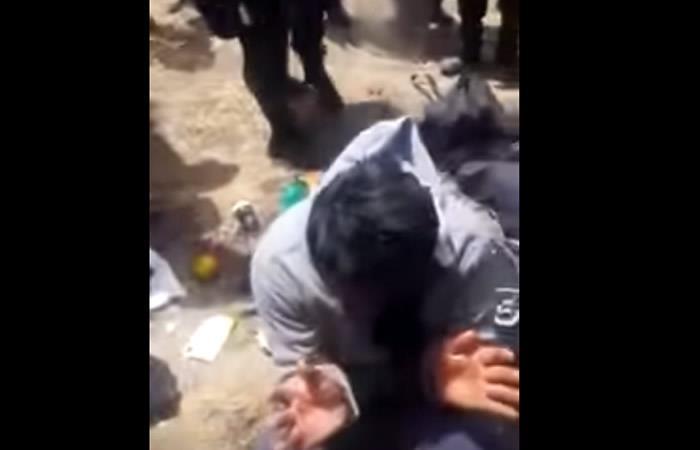 Video: Así es el trato de la policía con los achacacheños detenidos