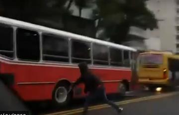 Wilstermann: Así apedrearon en Argentina el bus del equipo