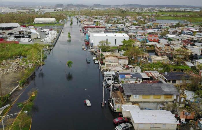 En Puerto Rico ordenan evacuar a 70.000 personas tras el huracán María