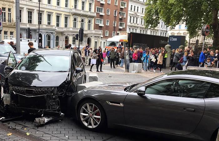 Londres: Varios heridos tras un atropello masivo con un auto