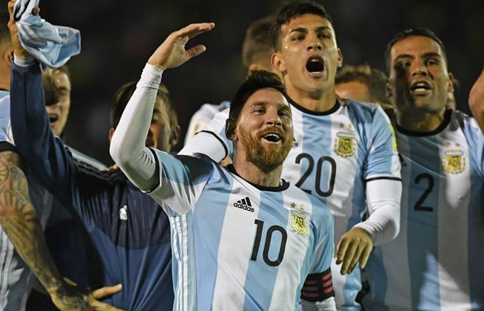 Leo Messi celebra su tripleta y la clasificación al Mundial. Foto. AFP