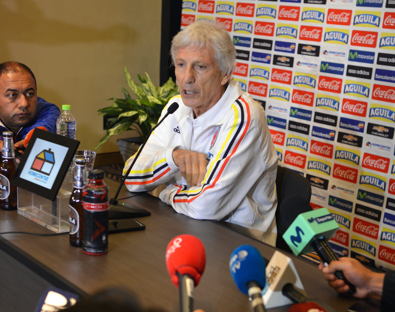 El DT de Colombia José Pekerman en Lima. Foto. AFP