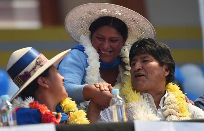 Evo Morales envía conmovedor mensaje a la mujer en su día