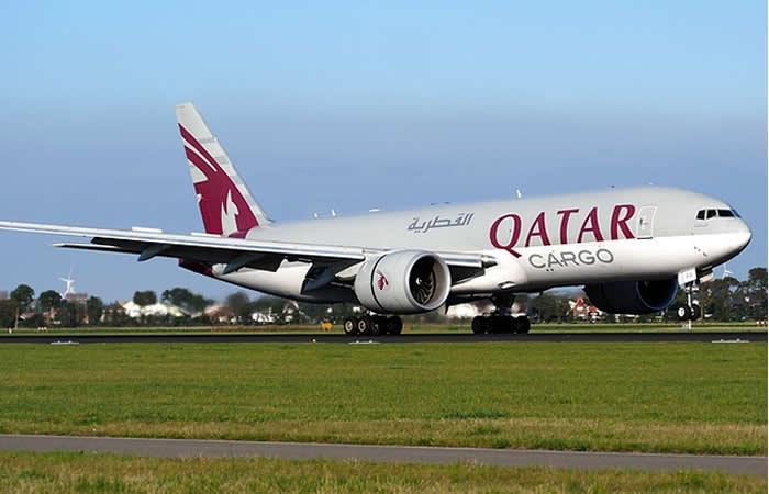 Esposa descubre infidelidad y obliga a aterrizar un avión