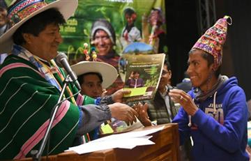 Evo Morales entregó recursos para construir piscina olímpica en Potosí