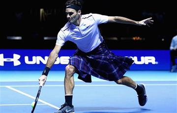 Video: Federer acepta jugar con falda escocesa ante Murray