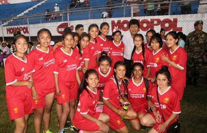 Evo inauguró el campeonato nacional de fútbol femenino Sub 18