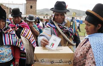 Bolivia elige magistrados en votación popular