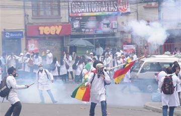 La Paz: Detenidos y varios heridos es el saldo del enfrentamiento en plaza del Estudiante
