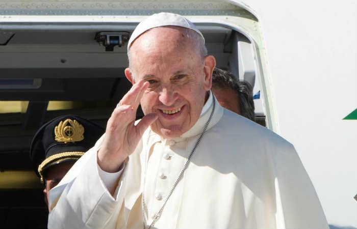 Papa Francisco deplora situación de niños que tienen que 'abandonar sus países'