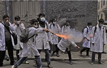 Conflicto médico colapsa en calles de La Paz y más sectores se suman